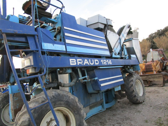 MACHINE A VENDANGER BRAUD 1214