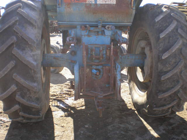 TRACTEUR FORD 8000