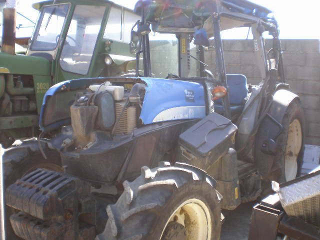 TRACTEUR NEW HOLLAND T4050F