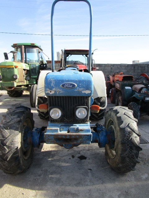TRACTEUR FORD 4830