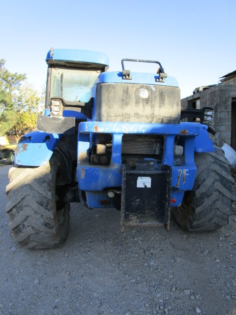 TRACTEUR NEW HOLLAND LM435A