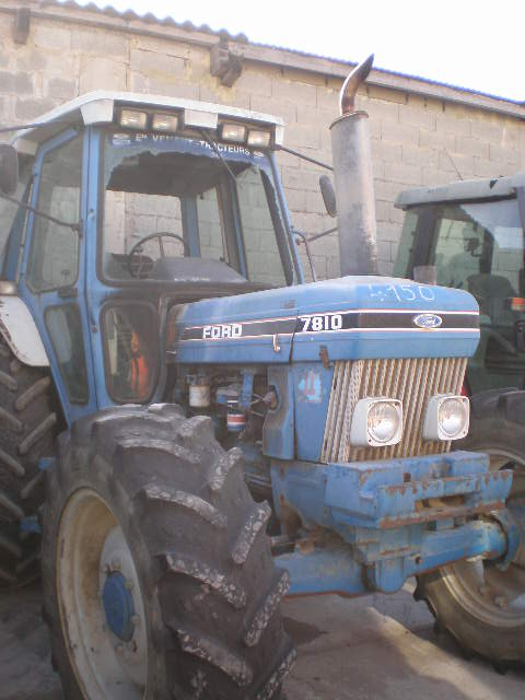 TRACTEUR FORD 7810