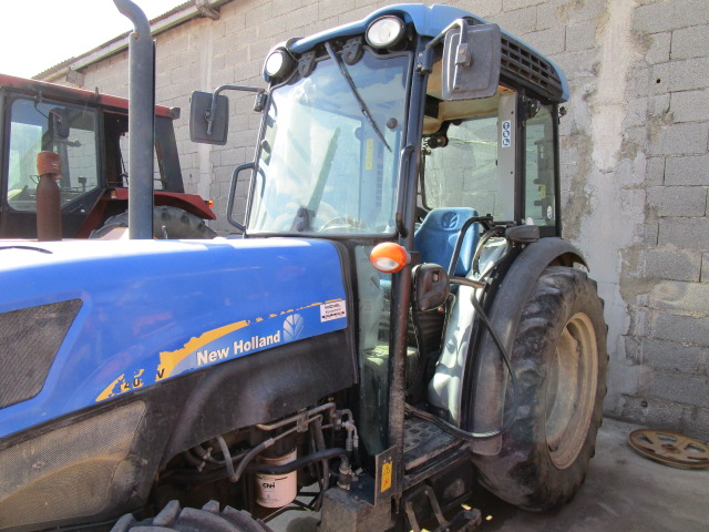 TRACTEUR NEW HOLLAND T4040